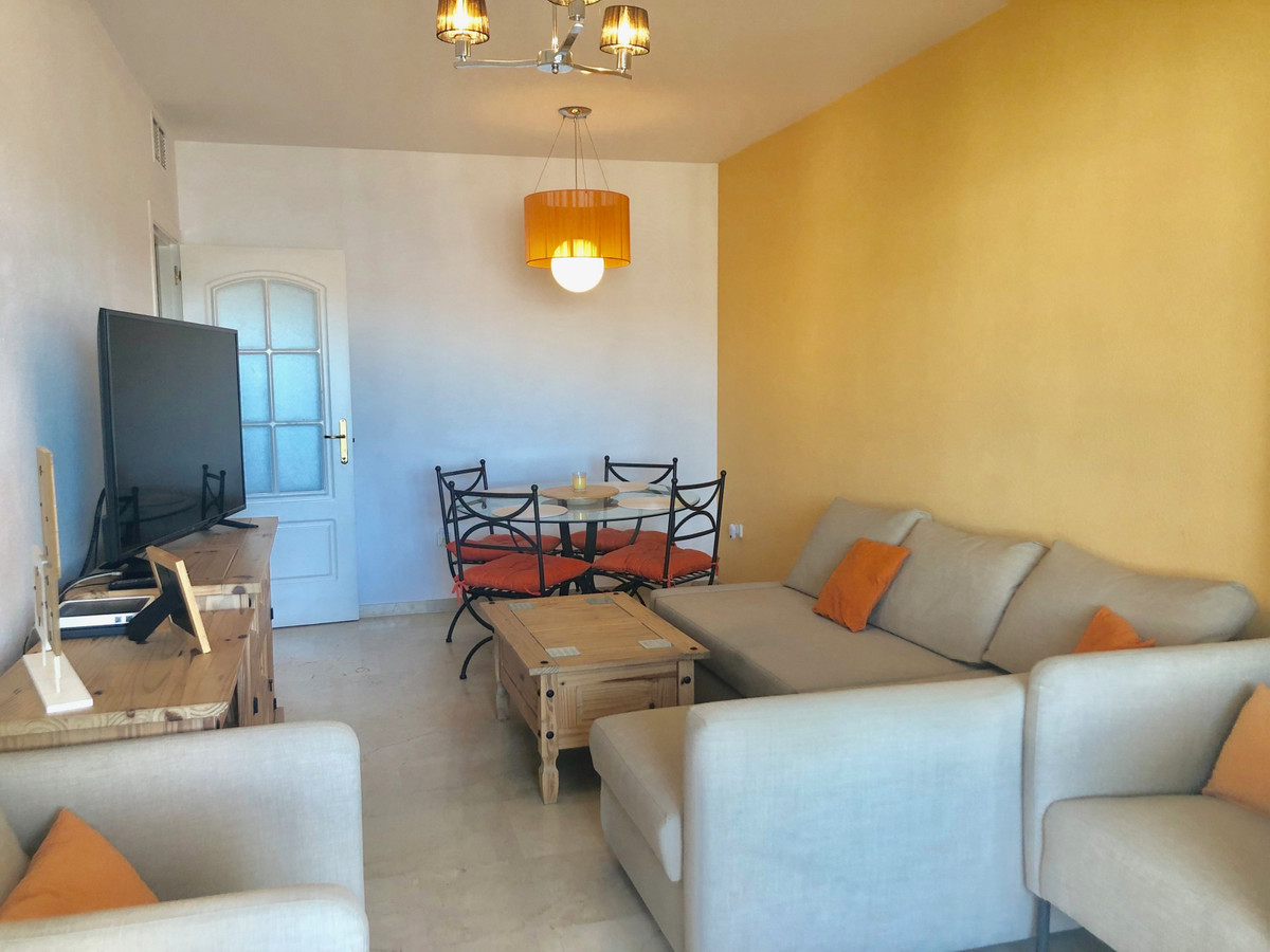 In the heart of Duquesa, this apartment on the third floor is located in the very desirable urbaniza, Spain