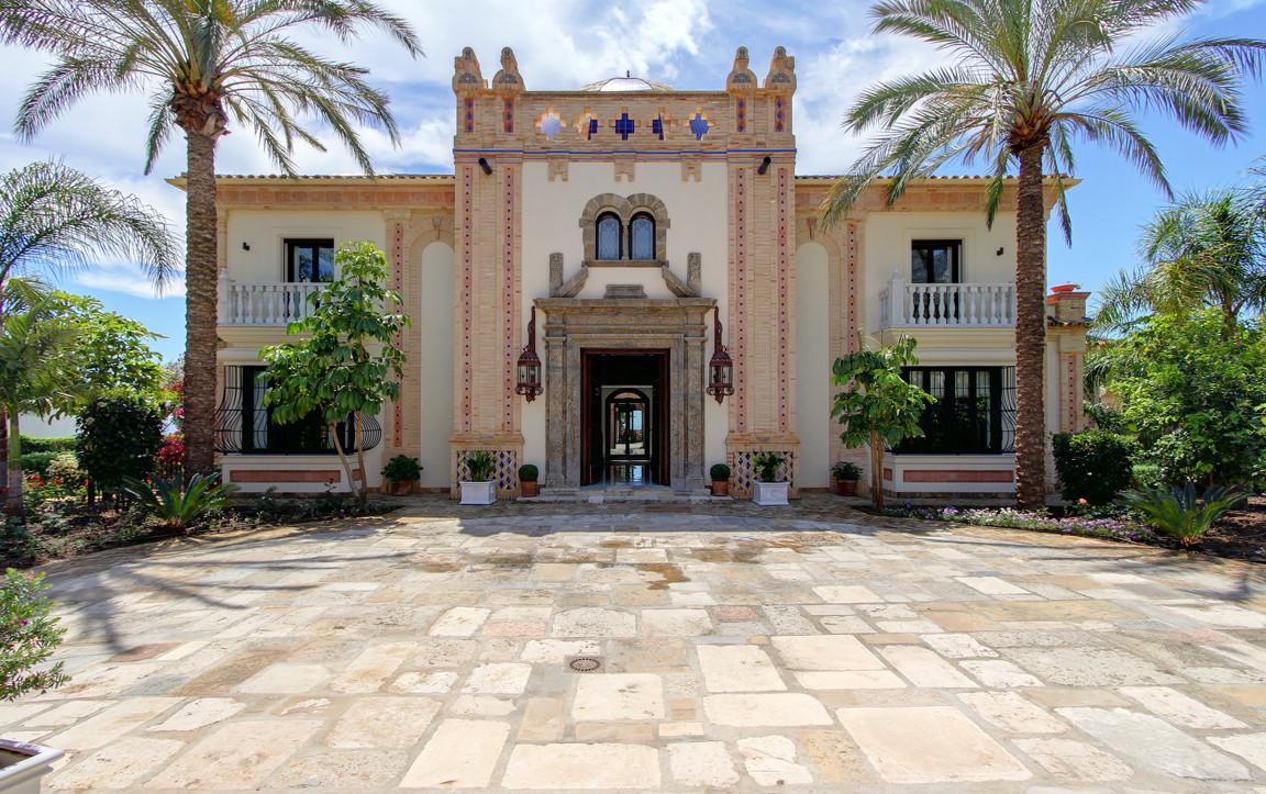 Marbella Banus Villa – Chalet en Venta en Marbella – R3041377