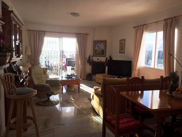 Spacious and centrally located apartment in the heart of Calahonda. The apartment is located on the , Spain