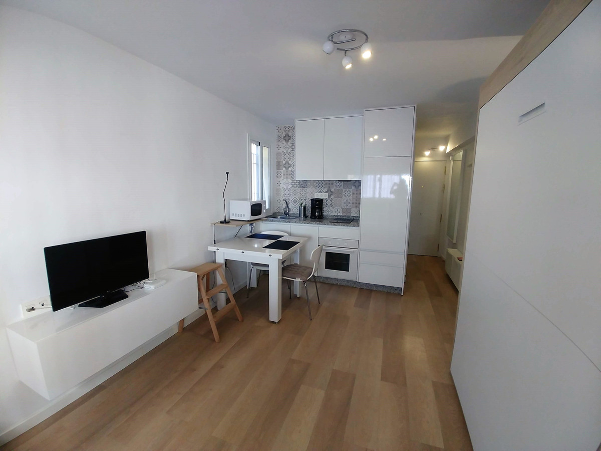 Magnificent studio in the center of Fuengirola. It is a first floor without elevator, but completely,Spain