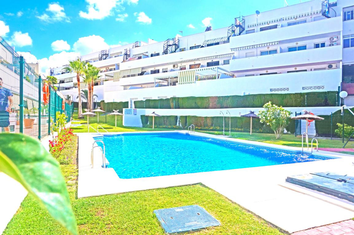 Beautiful 2 bedroom apartment with terrace of 40 m2 with direct access from the living room. The pro, Spain
