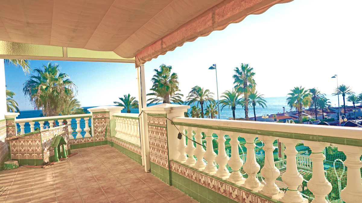 NICE LARGE APARTMENT FIRST LINE ON THE BEACH WITH BREATHTAKING SEA VIEWS. EXCELLENT LOCATION ON THE , Spain