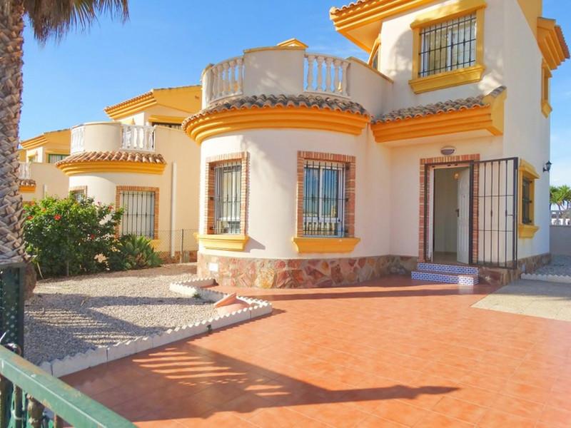 Detached Villa in Guardamar del Segura for sale