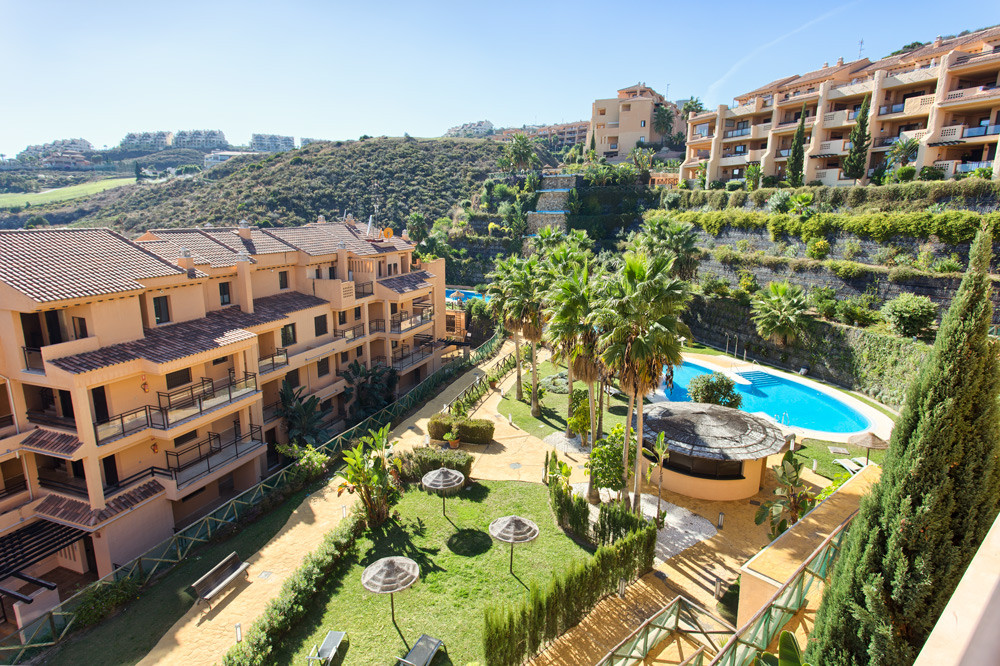 Unique, spectacular, top quality duplex penthouse next to the beautifull golf course of Calanova. Pa,Spain