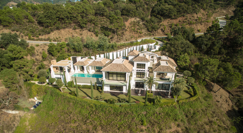 Villas for sale in Benahavis 17