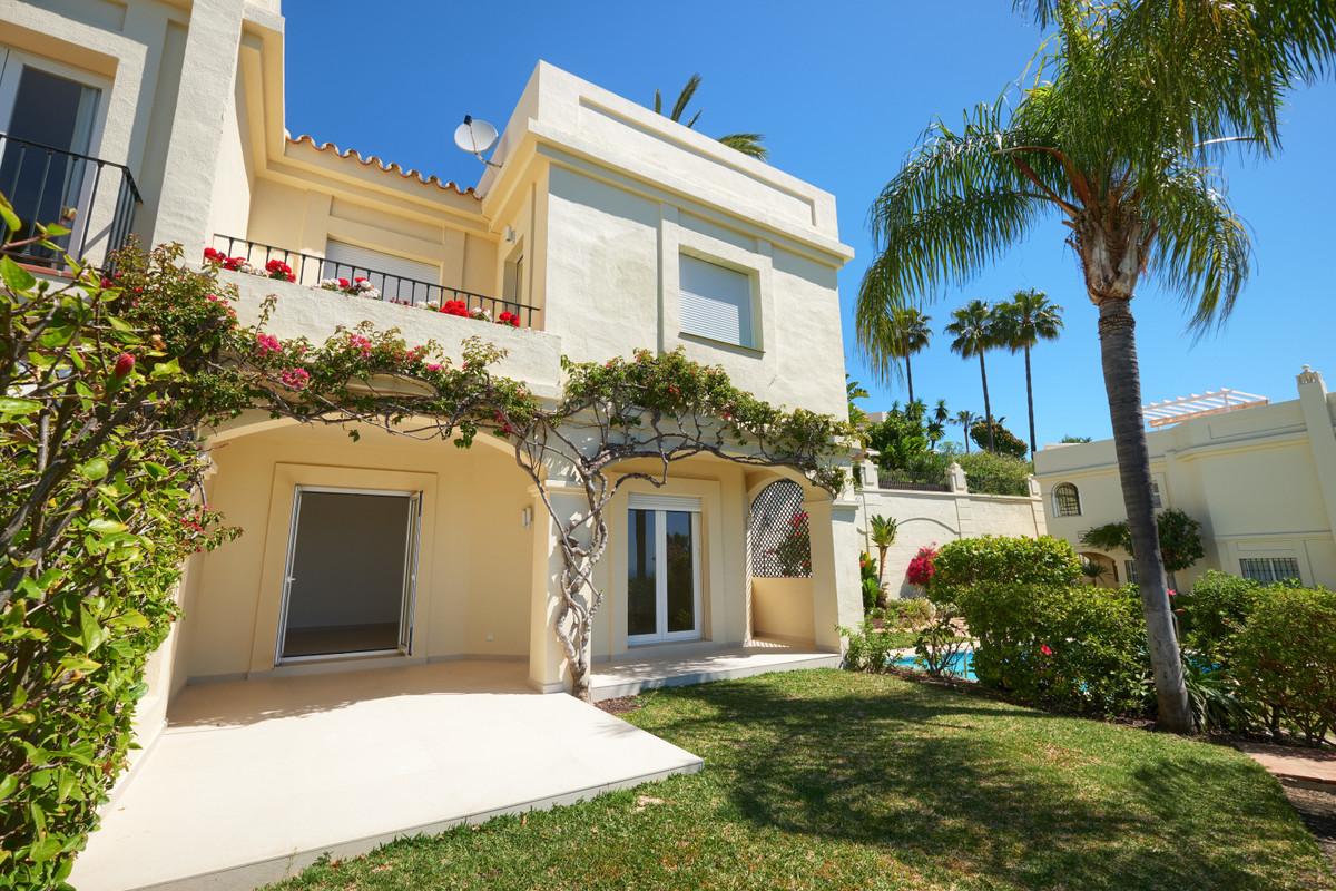 La Quinta Hills  La Quinta Golf, Benahavis  Beautiful spacious renovated townhouse in La Quinta Hill,Spain