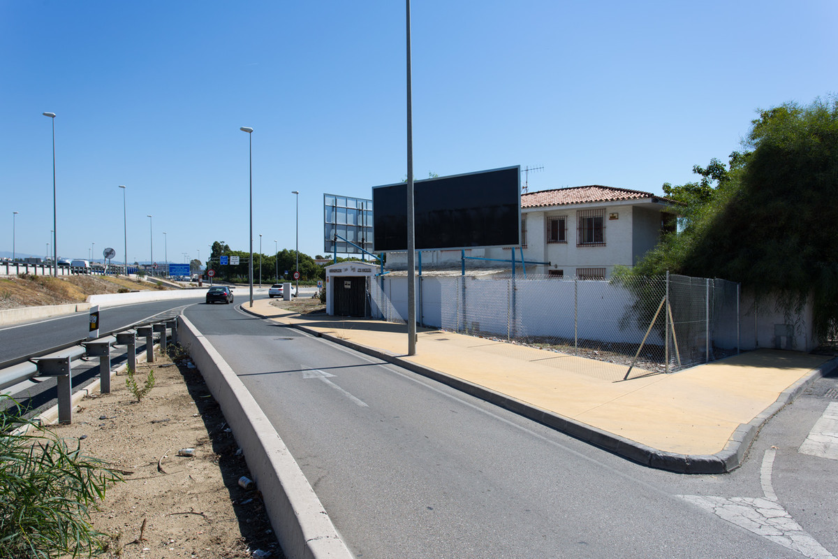 INVESTMENT PROJECT     Urb. Los Angeles Roundabout Ctra. N340 and Ctra. de Ronda San Pedro de Alcant,Spain