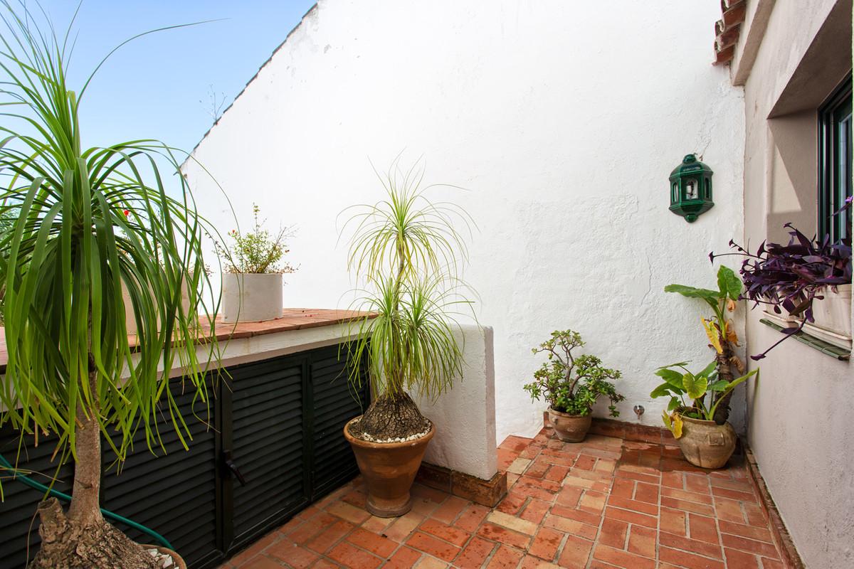 R3329842 Apartment Nueva Andalucía, Málaga, Costa del Sol