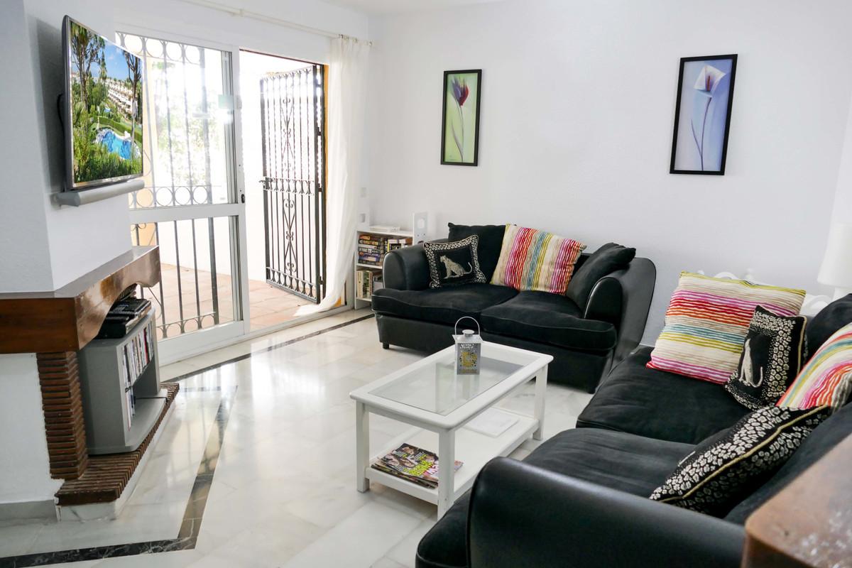 Apartamento en Venta en Calahonda – R3645317