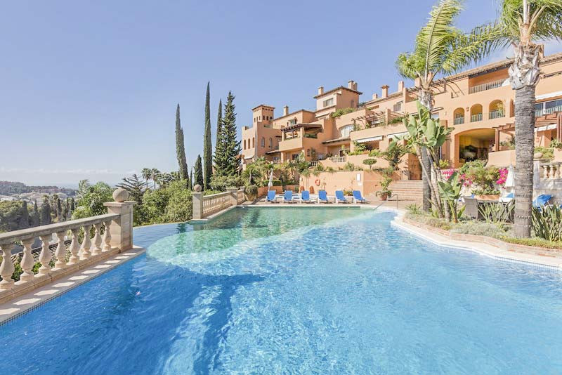5 bedroom apartment for sale nueva andalucia