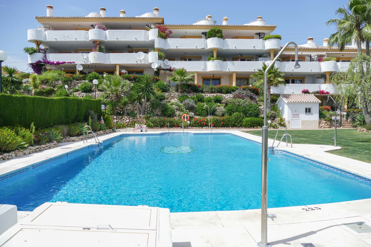 AVAILABLE FROM OCTOBER TO MAY:  Fantastic three bed, two bath middle floor apartment situated on a g,Spain