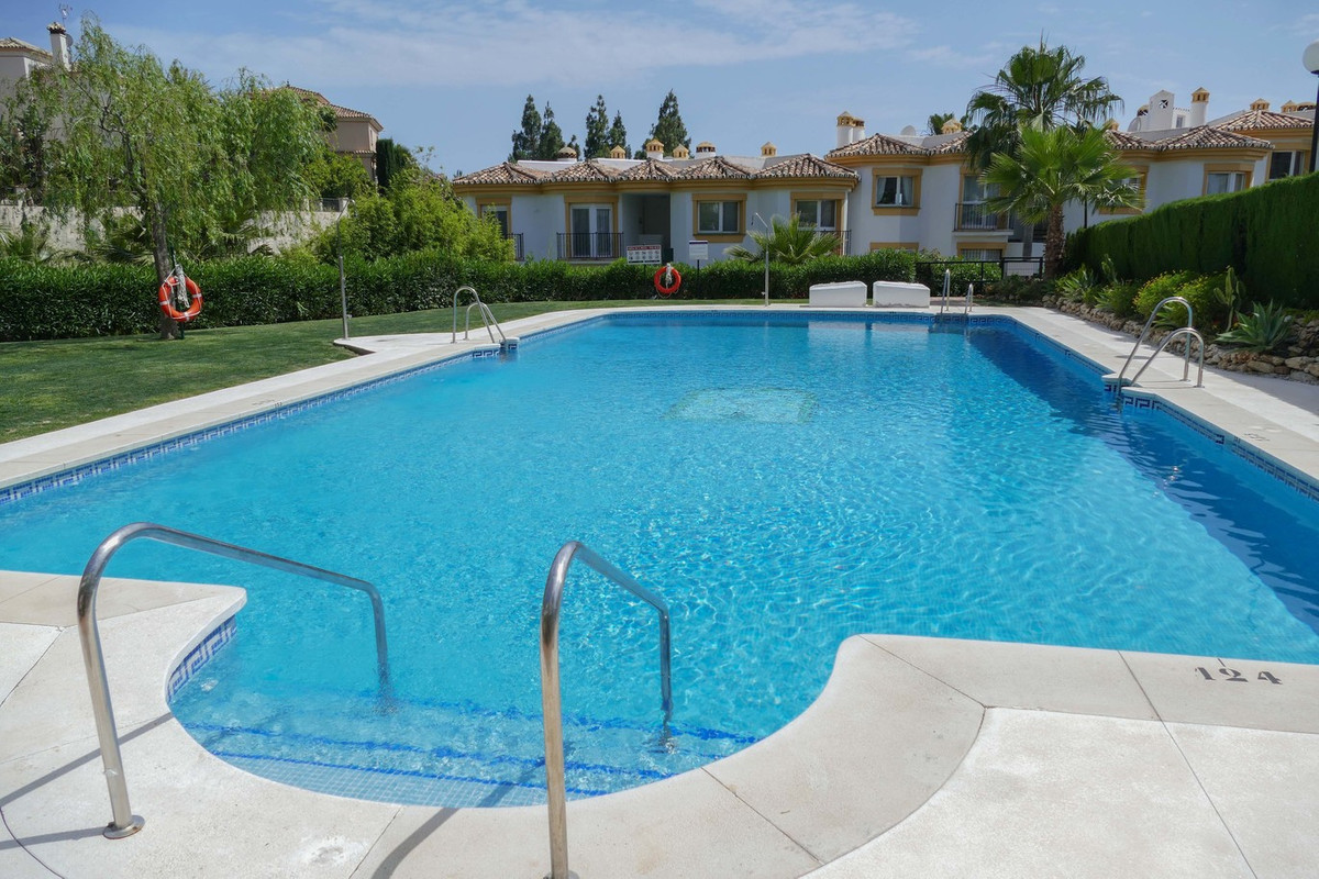 Perfect two bedroom, 1 bathroom garden apartment, situated on a popular urbanisation in the heart of,Spain