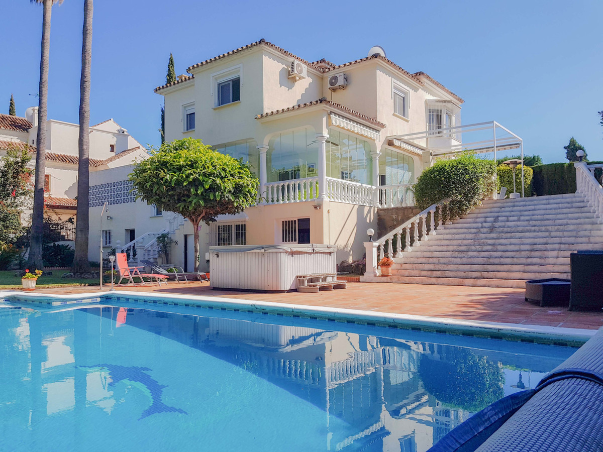 Stunning villa situated on the frontline of the prestigious Real Golf Course Guadalmina.  This large,Spain