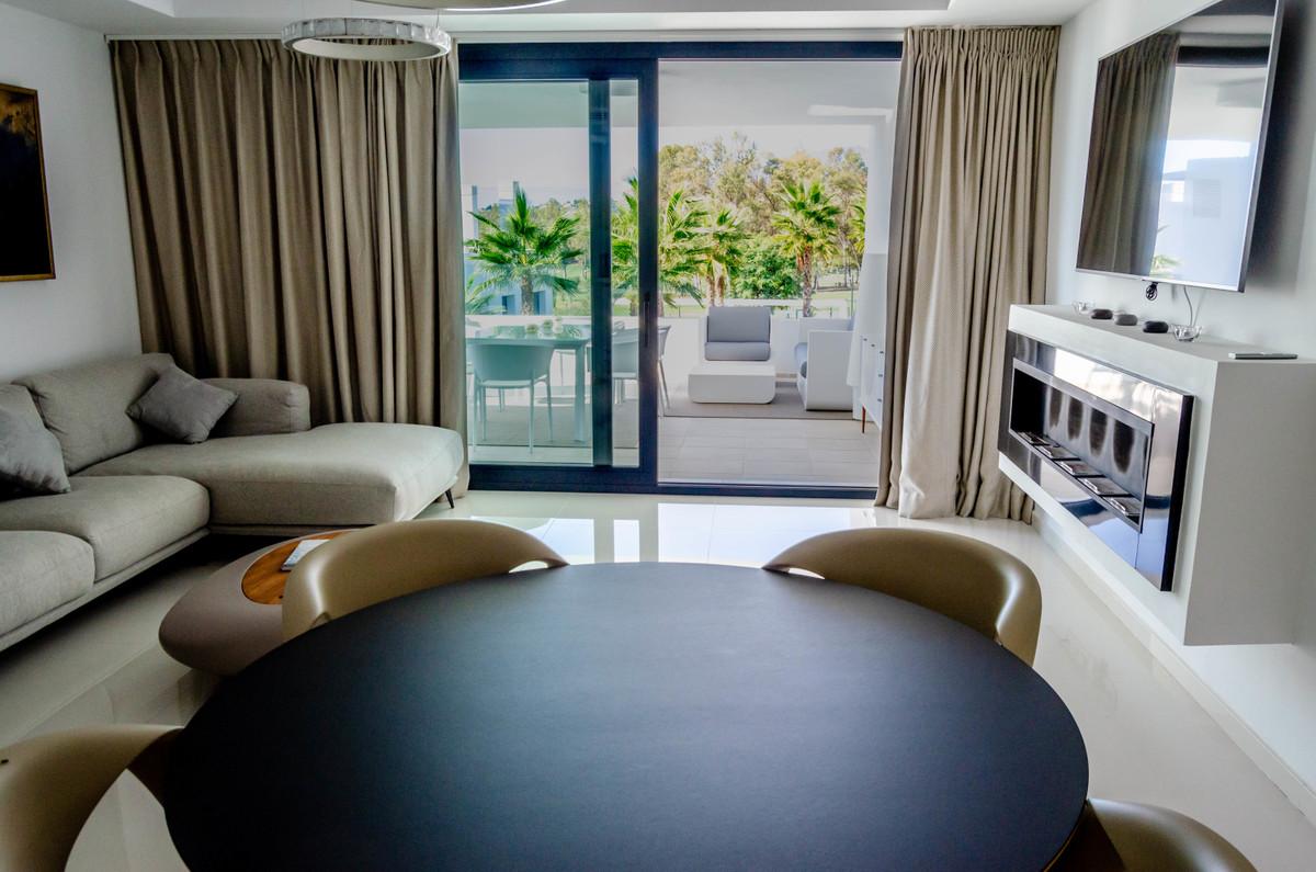 Marbella Banus Apartamento Planta Media en Venta en Atalaya – R3413110