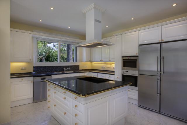 Villa – Chalet en Venta en Marbella – R3235498