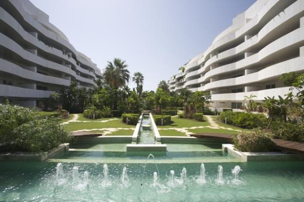 Fabulous penthouse with 4 bedrooms, 4 bathrooms in-suite, with sea views in an urbanization with 24h,Spain