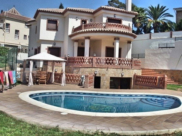 Superb and impressive independent luxury villa located in a privileged area of Mijas close to all ki, Spain