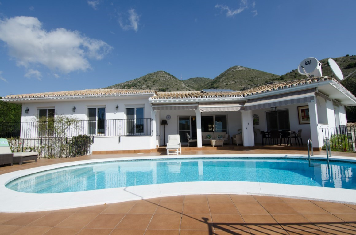 Beautiful completely renovated independent villa located in Benalmadena Pueblo, area known as Chapla, Spain