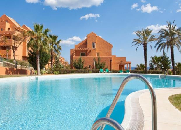 Spacious 2 bedroom apartments with panoramic views of the golf course and the sea. The complex is lo,Spain