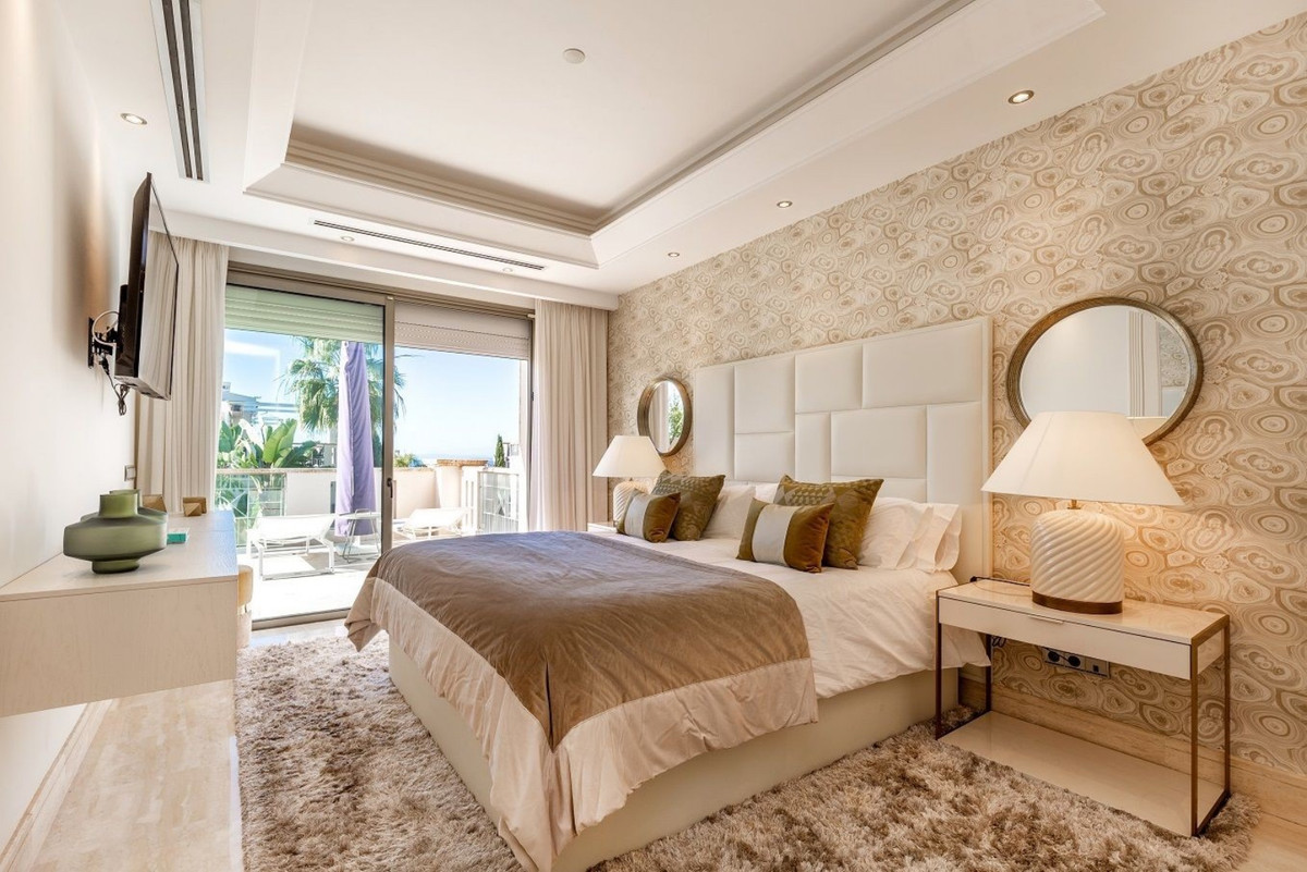 R3519571 | Townhouse in Marbella – € 1,995,000 – 5 beds, 4 baths