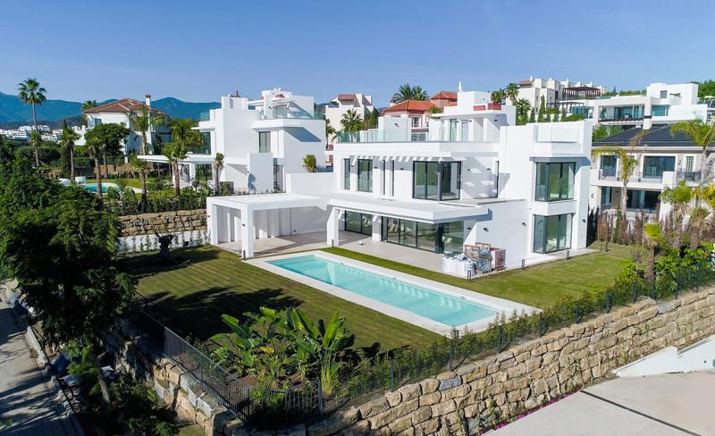 Marbella Banus Villa – Chalet en venta en Los Flamingos – R3675476
