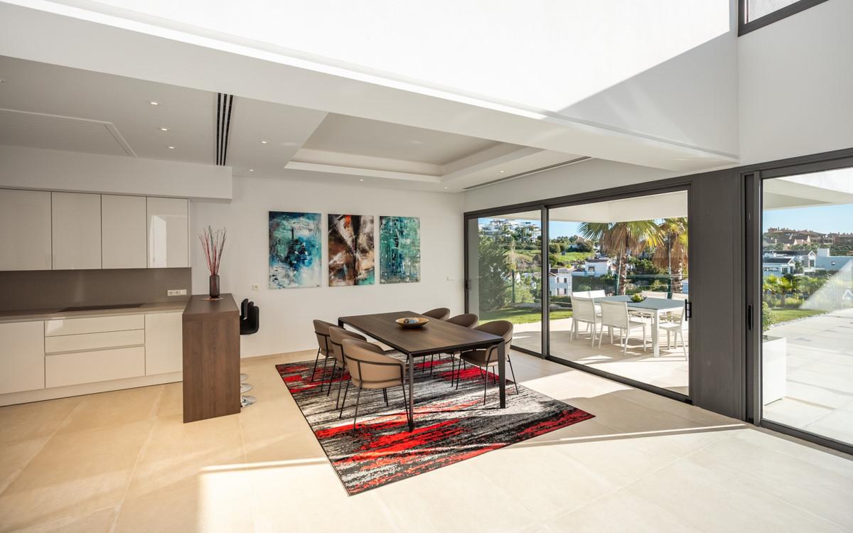 5 Bedroom Detached Villa For Sale Benahavís