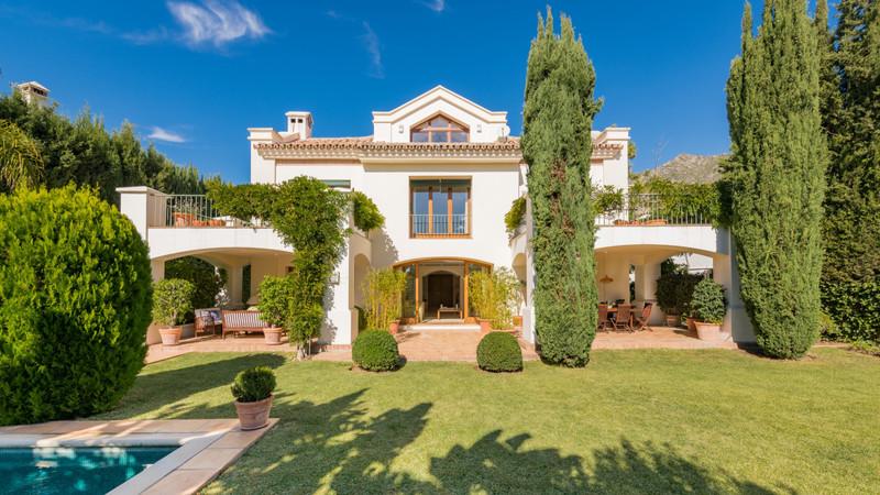 Marbella Banus Se vende Villa – Chalet, Sierra Blanca – R1923509