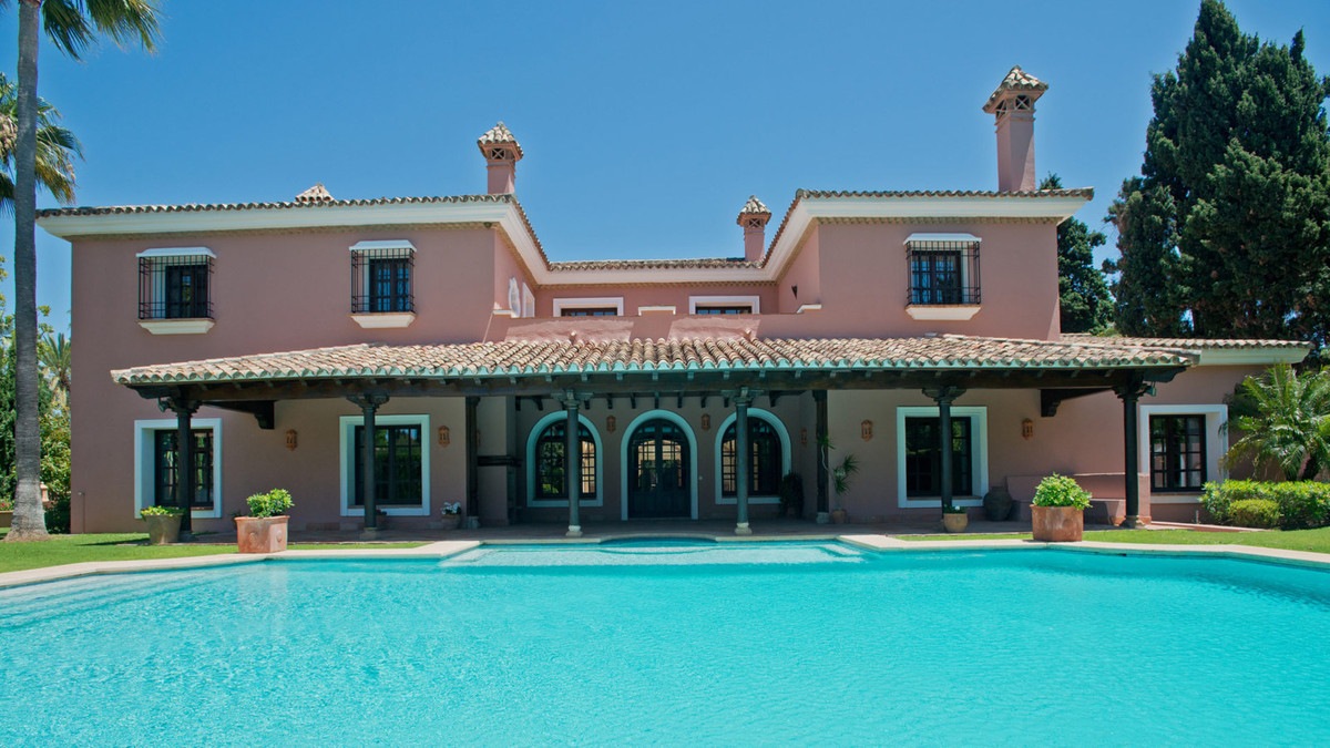 Villa 8 Dormitorios en Venta Guadalmina Baja