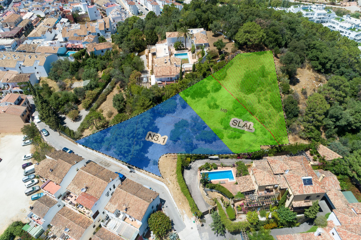 Excellent plot in Benahavis village.  More than 2.000 sqm located only a short walk from the centre ,Spain