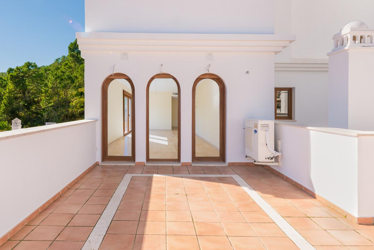 Marbella Banus Apartamento en Venta en Benahavís – R3607325
