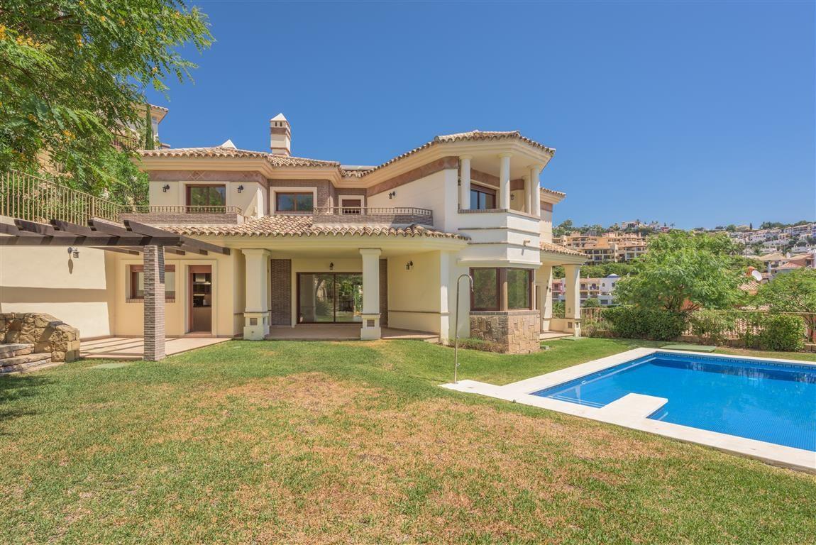 Detached Villa · Los Arqueros