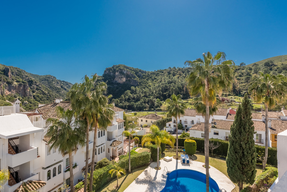 COZY 3 BEDROOMS 3 BATHROOMS ANDALUSIAN STYLE DUPLEX PENTHOUSE APARTMENT FOR SALE IN BENAHAVIS VILLAG, Spain