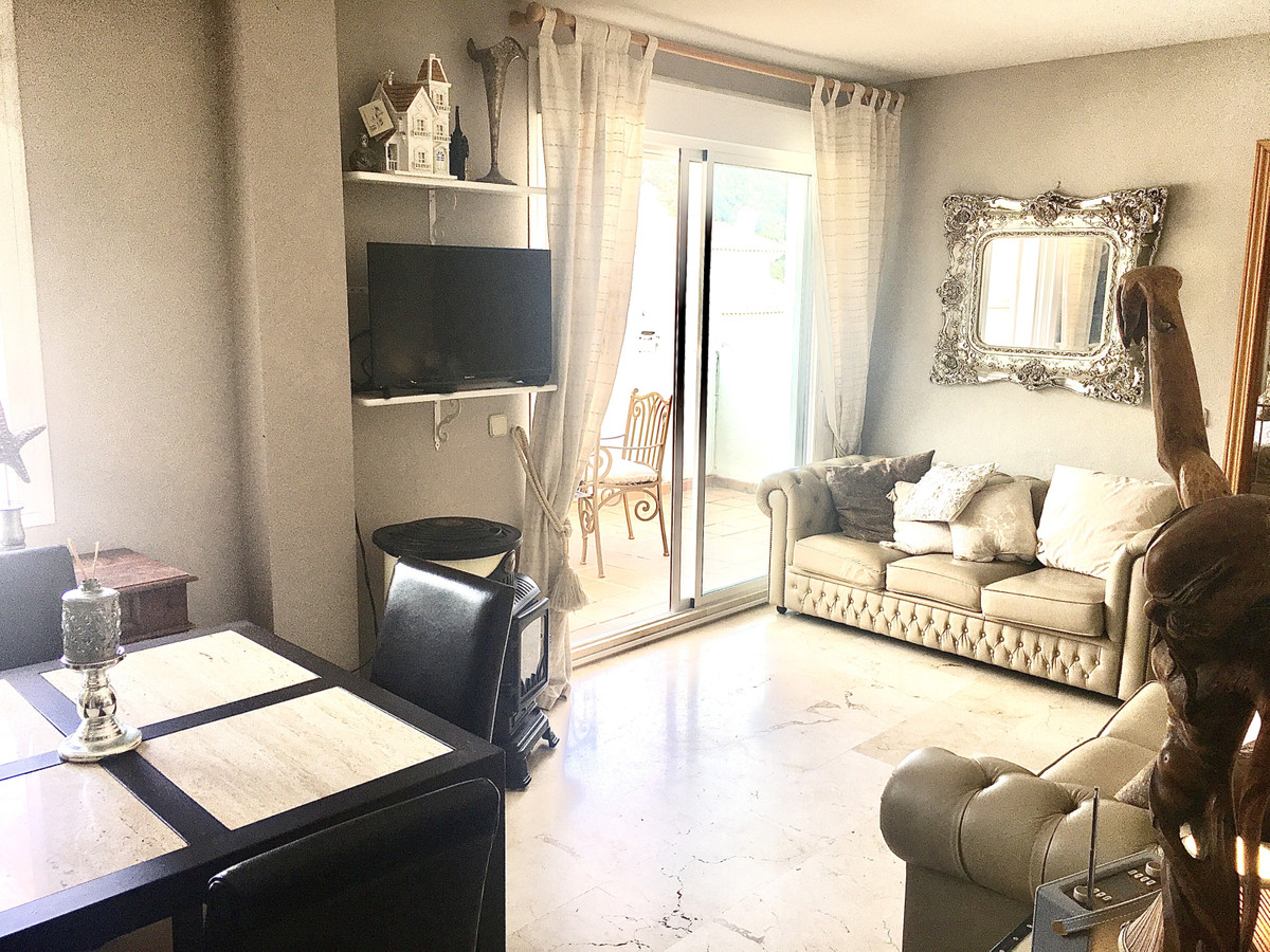 2 Bedrooms - 2 Bathrooms
