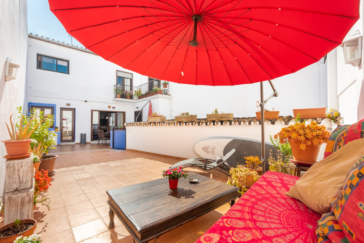 Recently refurbished 3 bedrooms property, with a patio/terrace of more than 70 m2, which can be buil,Spain