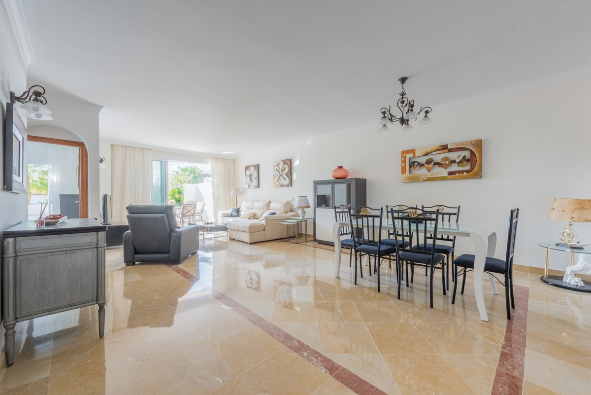 Apartamento Planta Baja en Venta en La Quinta – R3158989