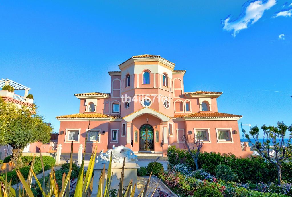 Detached Villa · Los Flamingos