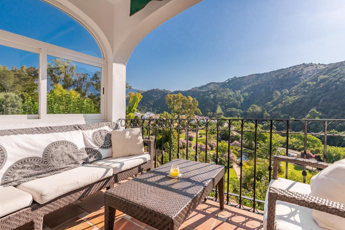 Marbella Banus Apartamento Planta Media en Venta en Benahavís – R3472555