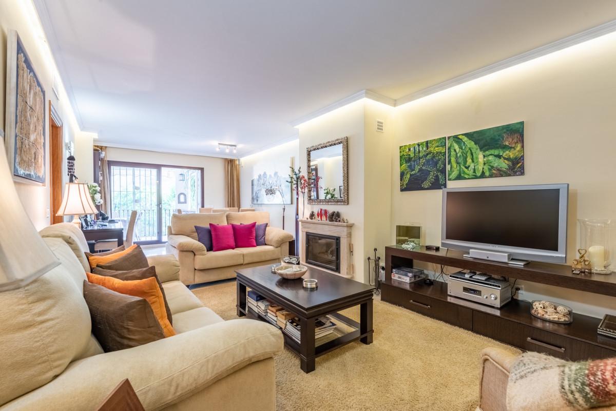 Apartamento Planta Media en Venta en Benahavís – R3540892