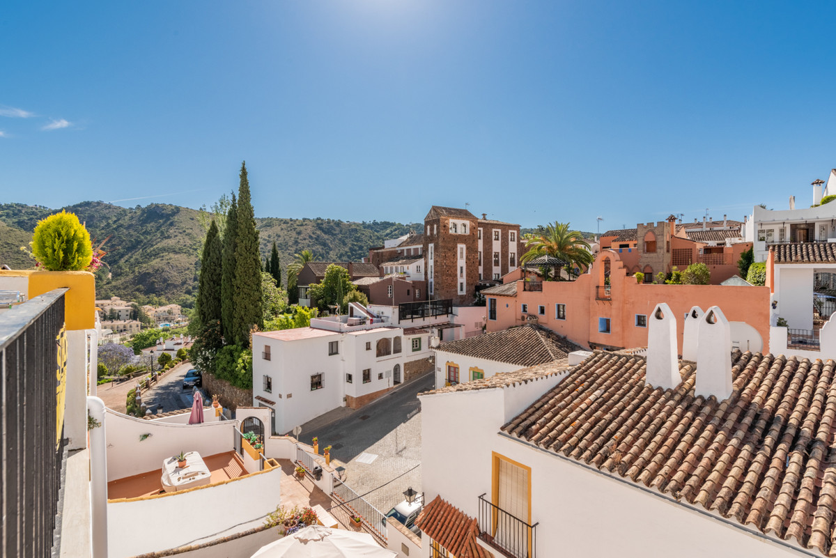 Cosy 2 bedrooms 1 bathroom in the centre of Benahavis village.  This home has been recently refurbis, Spain