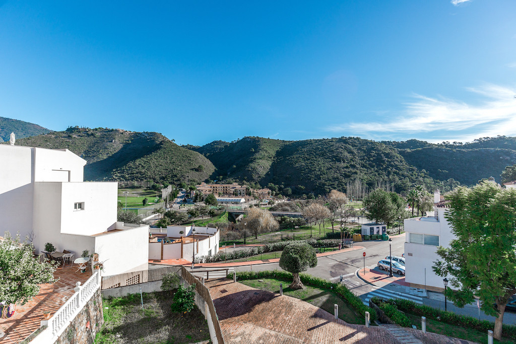 Marbella Banus Apartamento en Venta en Benahavís – R2863451
