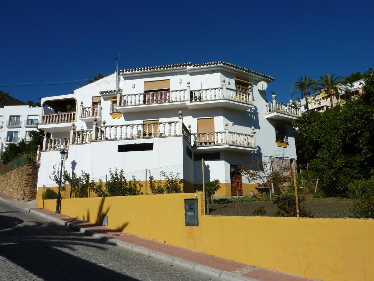 Marbella Banus Villa – Chalet en Venta en Benahavís – R212181