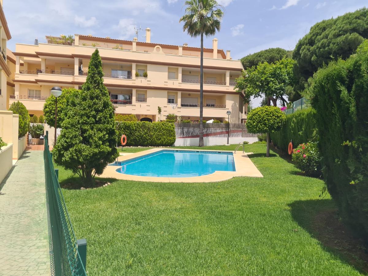 Marbella Banus Apartamento en Venta en Elviria – R3864436