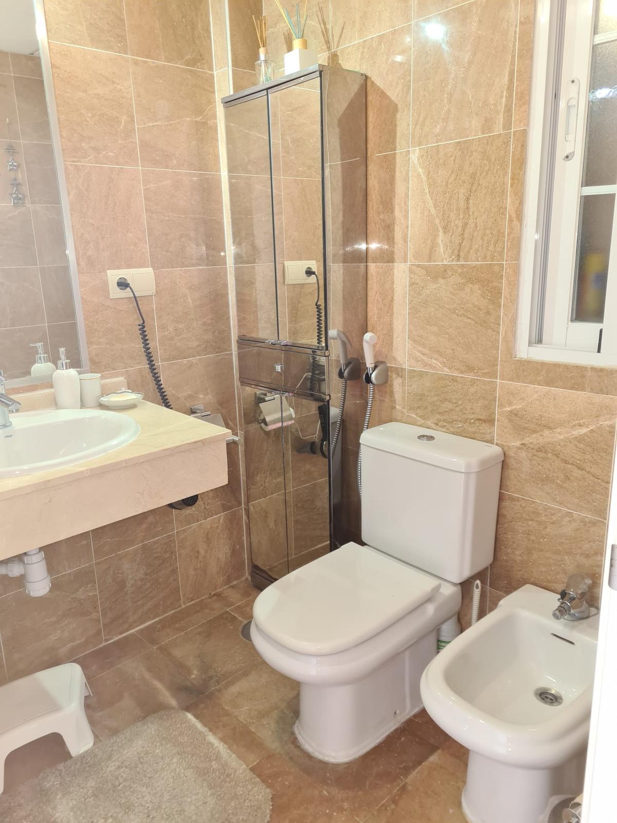 Apartamento en Venta en Elviria – R3864436