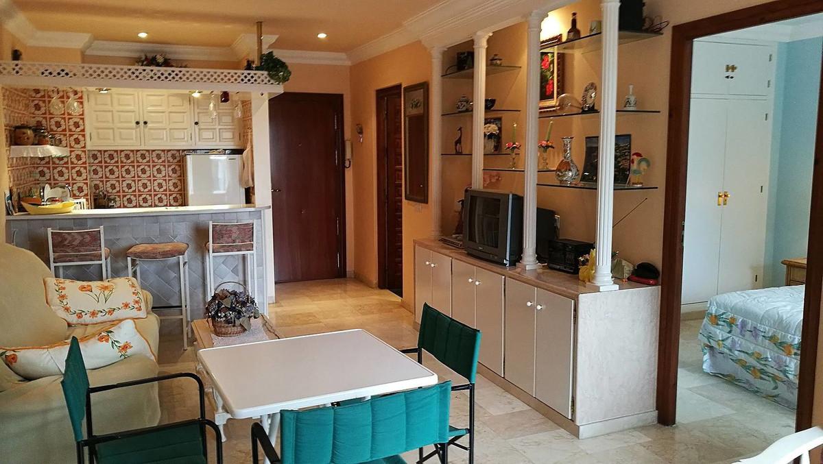Apartamento Planta Media  en venta en  The Golden Mile, Costa del Sol – R3077518
