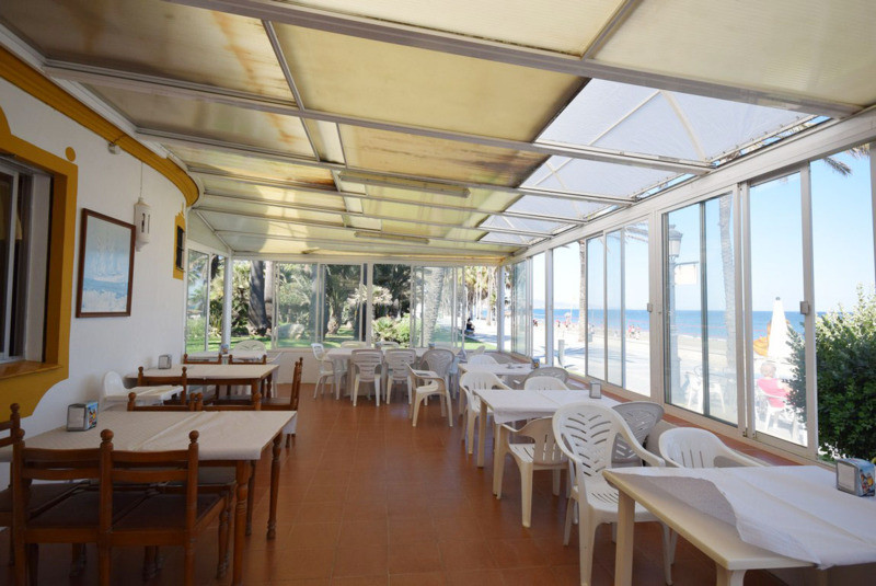Magnificent restaurant snack bar on the beach, on the promenade of San Pedro de Alcantara, open all , Spain