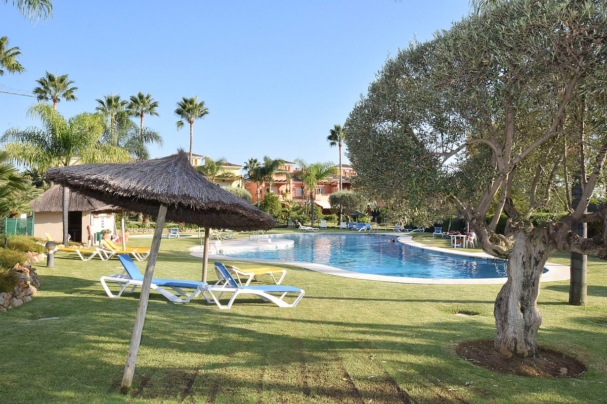 Fantastic family townhouse, located in the Guadalmina Golf Course, a few meters from the San Jose sc, Spain