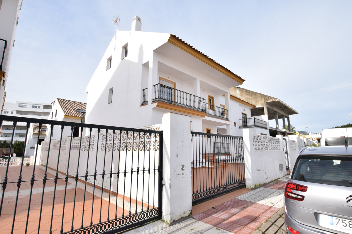 New construction townhouse located in the urbanization Tiro de Pichon, in San Pedro de Alcantara. Th, Spain