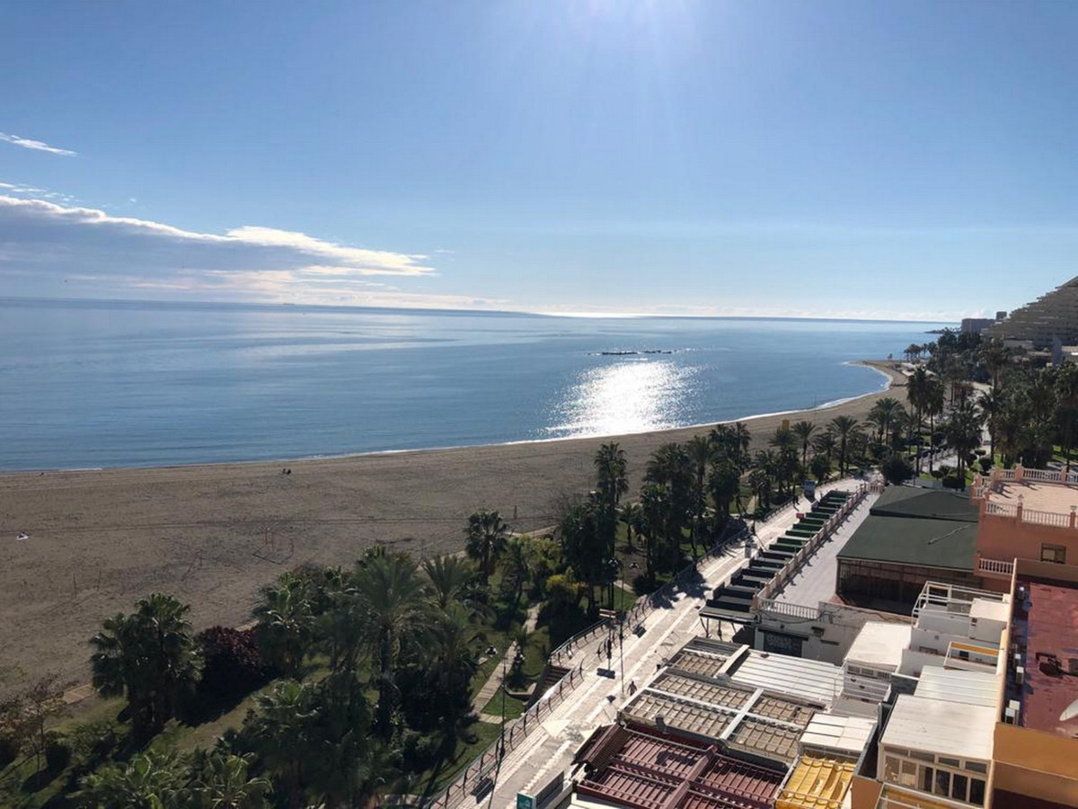 Beach front 6th floor studio with amazing beach and sea views with direct beach access from the comm,Spain