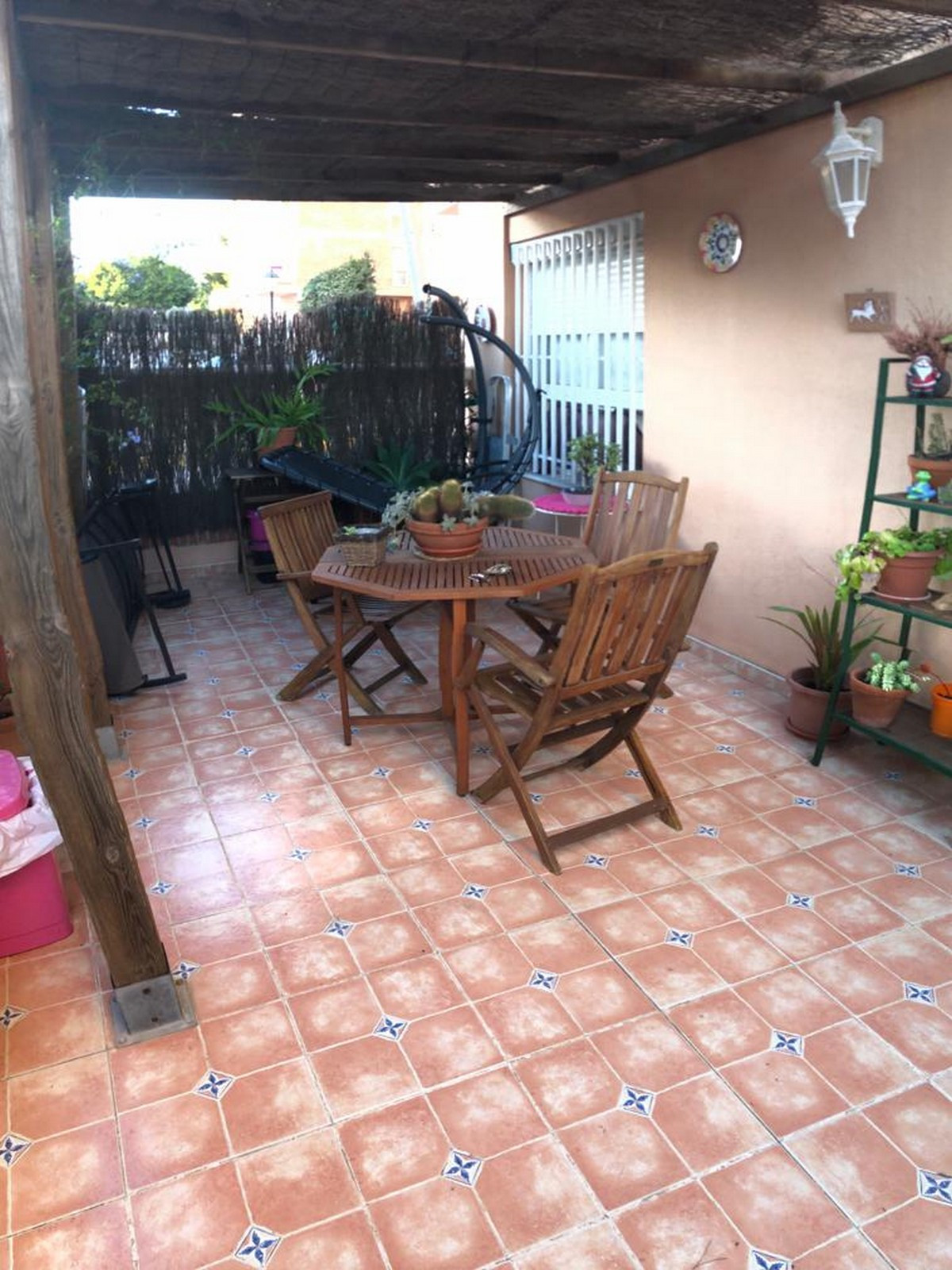 Cozy one bedroom ground floor apartment. This property is located in a complex that has a 24-hour re,Spain