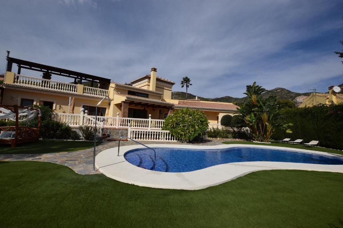 Detached Villa, Benalmadena Pueblo, Costa del Sol. 6 Bedrooms, 6 Bathrooms, Built 387 m², Terrace 11, Spain